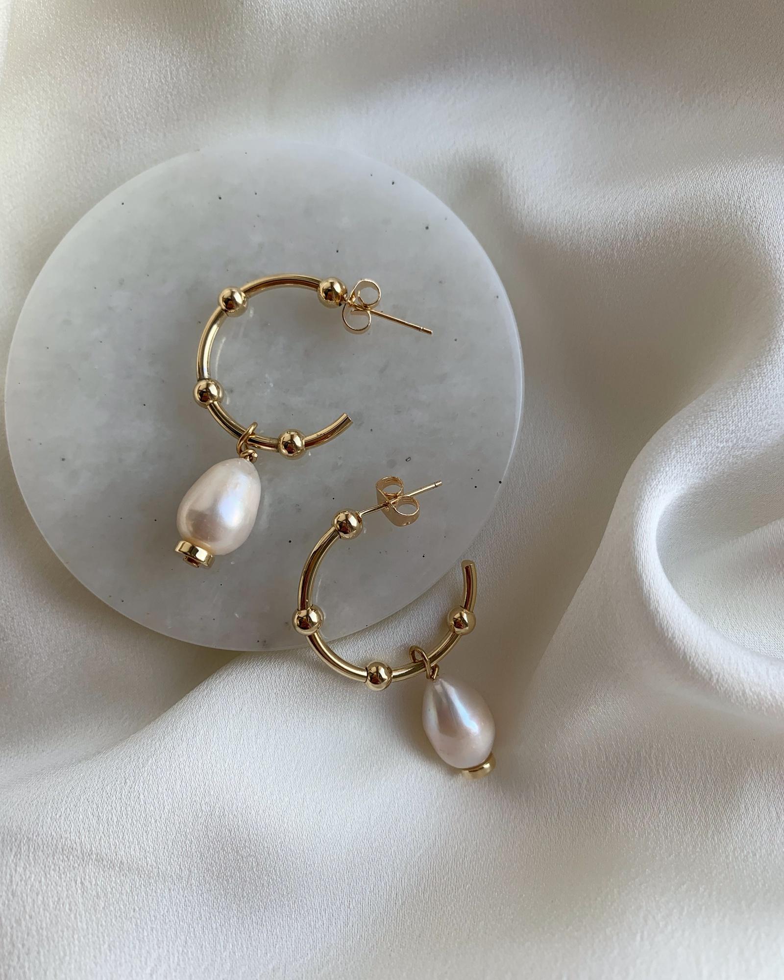Серьги-кольца с барочными жемчужинами